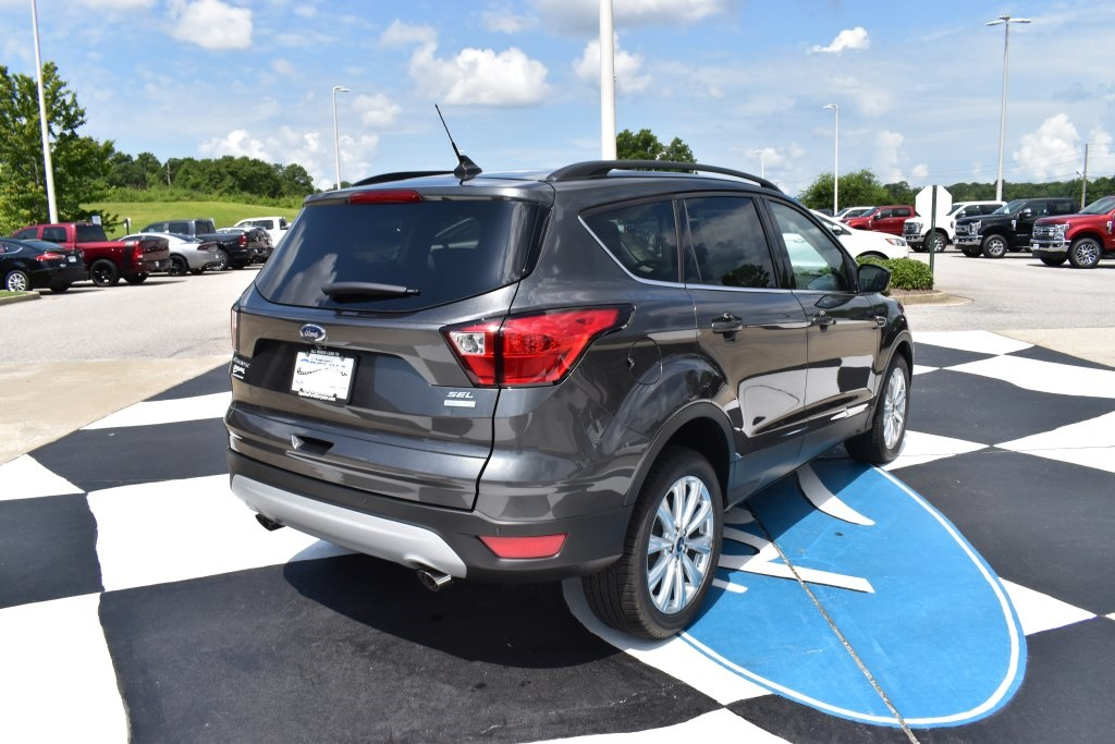 New 2019 Ford Escape SEL FWD 4D Sport Utility